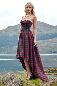 Beautiful Tartan Look Outfit Ideas For Ladies 20 Tartan Wedding Dress, Scottish Wedding Dresses, Scottish Dress, Tartan Dress, Black Wedding Dresses, Tartan Plaid, Plaid Outfits, Cool Outfits, Fashion Outfits