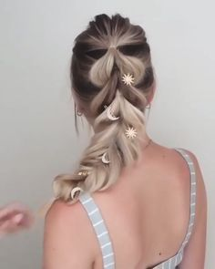 Mhot are always pursuing integrity, timeless elegance, elevated and effortless style. lange haare einfach flechten MHOT clip in seamless human hair extensions Summer Hairstyles, Easy Hairstyles, Wedding Hairstyles, Hairstyle Ideas, Fishtail Braid Hairstyles, Bridal Hairstyle, Everyday Hairstyles, Hairstyles For Women, Mermaid Hairstyles