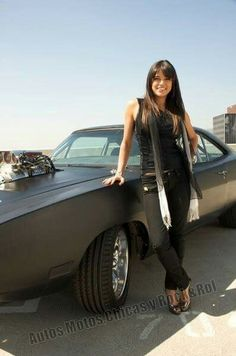 Michelle Rodriguez - one of the reasons I love fast and furious Michelle Rodriguez, Dodge Charger, Sexy Cars, Hot Cars, Classy Cars, Belle Nana, Up Auto, Girly Car, Poses References