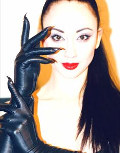 Black Leather Gloves, Dominatrix, Lady, Iris, Colors, Women, Leather Gloves, Colour, Color