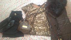 Zara coat, H&M t-shirt, Stradivarius shoes, Bershka skirt and Bimba y Lola bag.