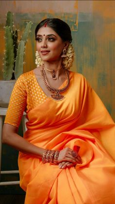 Stylish Blouse Design, Fancy Blouse Designs, Stylish Dress Designs, Indian Bridal Outfits, Indian Bridal Fashion, Indian Designer Outfits, Stylish Sarees, Stylish Dresses, Dior