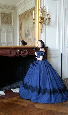 Civil war ball gown  19 th century gown  Robe de by alluresdantan
