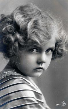 Маленькие принцессы на старинных открытках. Часть десятая. Обсуждение на LiveInternet - Российский Сервис Онлайн-Дневников