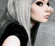 edgy gray hair. Also like the dark smokey eye with it!