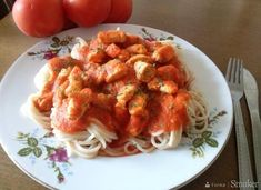 Sos warzywno-drobiowy do spaghetti Spaghetti, Shrimp, Meat, Chicken, Ethnic Recipes, Food, Essen, Meals, Yemek