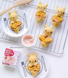 littlemissbento: Miffy corn & ham bread with mentaiko sauce! I used it to prepare the toppings for the bread buns. Can you tell that Miffy is holding on to heart? Bento Recipes, Easter Recipes, Melon Bread, Kawaii Bento, Breakfast Photography, Bread Shaping, Kawaii Dessert, Donut Shape, Cute Desserts