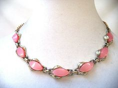 Stunning Vintage Estate Gold Tone Pink Thermoset Chain Necklace 5721s | eBay