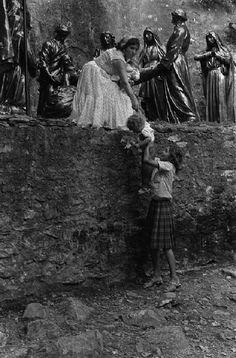 Josef Koudelka  FRANCE. Lourdes. 1970. Gypsies.