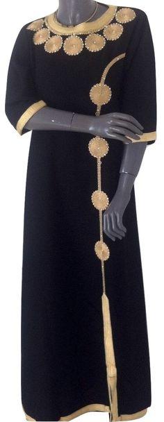 Caftan Gandoura noire sfifa dorée. Kaftan sobre et chic. Magnifique collection de robe orientale, et gandoura sur femandhome.com