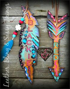 Find me on FB for hand painted horse tack, muletape/noseband halters, Rope cans… Leather Art, Painting Leather, Leather Tooling, Leather Jewelry, Tooled Leather, Horse Gear, Horse Tack, Equestrian Outfits, Equestrian Style