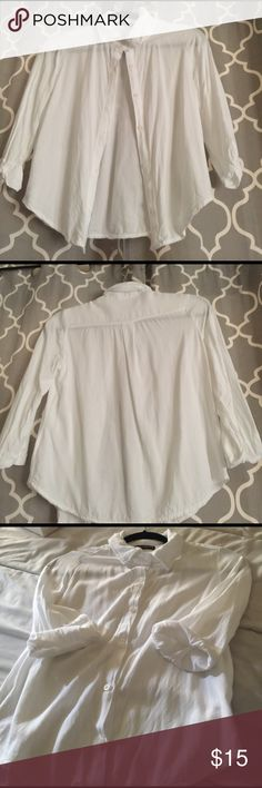 White blouse 👚 3/4 sleeves from Brandy Melville. EUC. Sorry no Trades. Thanks for looking. Brandy Melville Tops Button Down Shirts
