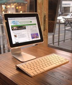 Fancy - Support Crystal Stand for Apple iPad 2