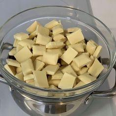 Ganache z bílé čokolády - recept AkademiaTortu.pl Baking Basics, Calzone, Truffles, Ale, Vegetables, Birthday Ideas, Recipes, Pies, Ale Beer