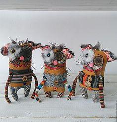 Zombie Dolls, Voodoo Dolls, Ugly Dolls, Creepy Dolls, Fabric Dolls, Fabric Art, Centipedes, Handmade Soft Toys, Sock Dolls