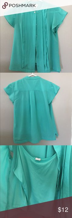 Liz Claiborne teal blouse short sleeve. Short sleeve lightweight blouse with under shirt attached. Teal color. Worn once. Liz Claiborne Tops Button Down Shirts