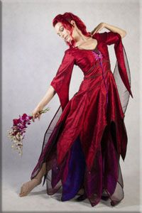 Read Article: Fae Elemental - Blood Red Aphrodite - Potential handfasting dress for next Oktober.