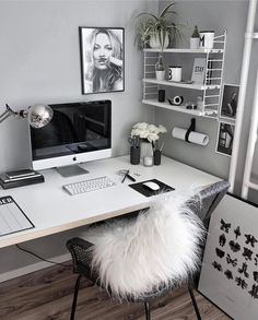 31 White Home Office Ideas To Make Your Life Easier; home office idea;Home Office Organization Tips; chic home office. Home Office Design, Home Office Decor, House Design, Home Decor, Office Designs, Office Furniture, Business Office Decor, Design Offices, Furniture Design