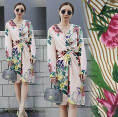 St dress catton, bahan katun import tebal motif asli dan bagus ld 96 pjg 100 full kancing tgn pjg, rp. 117rb  Informasi dan pemesanan hubungi kami SMS/WA 08129936504 atau www.ummigallery.com  Happy shopping   #jilbab #jilbabbaru #jilbabpesta #jilbabmodern #jilbabsyari #jilbabmurah #jilbabonline #hijab #Kerudung #jilbabinstan #Khimar #jilbabterbaru #jilbab2017 #jilbabkeren #jilbabmodis #bajumuslim #gamis #syari #maxidress #maxi #atasanwanita #atasanmuslim