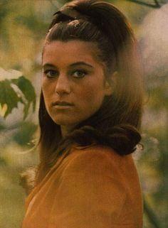 sheila 1967 | sheila portrait Retro Hairstyles, Curlers, Hair Inspo, Mona Lisa, Portrait, Couple Photos, Hair Styles, Artwork, Showgirls