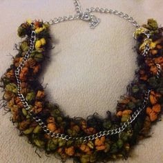 Knitted necklace -back