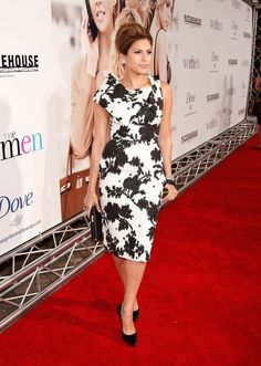 Eva Mendes wearing a Peter Som for Bill Blass Fall 2008 black and white dress.