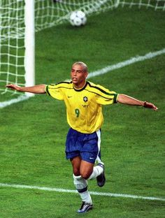 Ronaldo After Scoring Goal For Brazil In 2002 World Cup