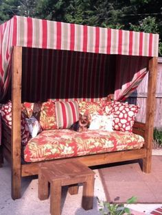 DIY Outdoor daybed - I would love to make something like this and just sleep out. DIY Outdoor daybed - I would love to make something like this and just sleep outside :). Daybed Canopy, Diy Daybed, Outdoor Daybed, Canopy Bedroom, Canopy Tent, Outdoor Decor, Daybed Ideas, Daybed Mattress, Ikea Canopy