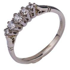 Wit gouden ring met briljant.