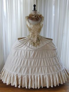 Beautiful old replica of a French Pannier. You should definitely visit her site, she collected beautiful things from the Victorian era. Old Dresses, Vintage Dresses, Vintage Outfits, Vintage Fashion, 17th Century Fashion, 18th Century Clothing, Rococo Fashion, 18th Century Costume, Moda Fashion