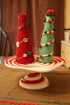 cute and easy kid-friendly christmas tree crafts--would be cute in regular colored twine! Christmas Tree Tops, Handmade Christmas Tree, Christmas Tree Crafts, Kids Christmas, Holiday Crafts, Christmas Decorations, Holiday Ideas, Simple Christmas, Christmas Treats