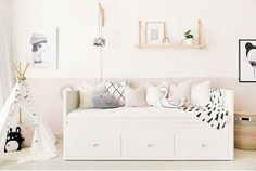 40 Cute Bedroom Decor Ideas for Girls 40 Sweetest Bedding Ideas For Girls' Bedrooms Decor 15 Cute Bedroom Decor, Pretty Bedroom, Ikea Bedroom, Bedroom Ideas, Warm Bedroom, Bedroom Dressers, Ikea Daybed, Daybed Room, Nursery Daybed