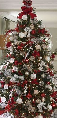 1000 ideas about silver christmas tree on pinterest for Red white and silver christmas tree ideas