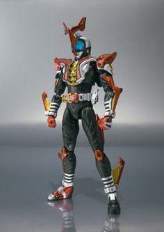 Kamen Rider Kabuto Hyper Form - December 11, 2010 Kamen Rider Toys, Kamen Rider Kabuto, Marvel Entertainment, Power Rangers, Figurative Art, Action Figures, December 11, Poses, Anime