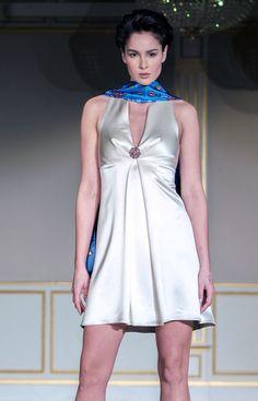 Robe COMÈTE - Satin de soie écru   Dress COMÈTE - Off-white silk satin