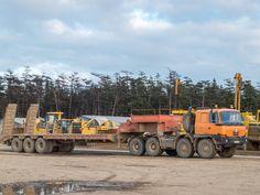 Седельный тягач Tatra T815-231N9 с полуприцепом-тяжеловозом. Сахалинская область, Ногликский район, вахтовый поселок Киринского ГКМ Cool Trucks, Big Trucks, Engin, Heavy Machinery, Heavy Truck, Tow Truck, Classic Trucks, Heavy Equipment, Motor Car