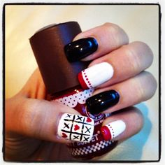 Tic tac toe!XD simple nail art design