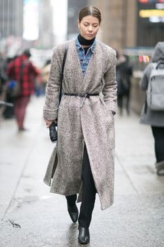Get layering tricks from the professionals — street style stars at Fashion Week. Find out how to layer clothes in ways you never thought of.