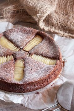 Moist Chocolate Mascarpone and Pear Cake No Cook Desserts, Sweet Desserts, Easy Desserts, Sweet Recipes, Cake Recipes, Dessert Recipes, Love Food, Food And Drink, Cooking Recipes