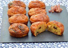 """Voici des petits cakes aux lardons et pruneaux, une recette de cake salé facile et idéale pour l'apéro du livre """"Les Cakes de Sophie"""" de Sophie Dudemaine."""