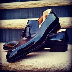 Sprezzatura-Eleganza — Saint Crispin's Loafer Shoes, Loafers Men, Oxfords, Saint Crispin, Gentleman Shoes, Fashion Shoes, Mens Fashion, Patent Shoes, Tassel Loafers