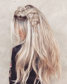 These 19 Gorgeous Braids Hairstyles are such hairstyles which are very difficult to avoid for long hair. So, it will be better for you to plan for applying these just now not to think for avoiding these. Evening Hairstyles, Wedge Hairstyles, Girl Hairstyles, Braided Hairstyles, Teenage Hairstyles, Hairstyles Videos, Girl Haircuts, Braids For Short Hair, Long Curly Hair