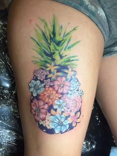 63 Amazing Pineapple Tattoo Idea For People Who Are Ticklish On The Outside Unique Pineapple Tattoo Idea Neue Tattoos, Body Art Tattoos, Sleeve Tattoos, Cool Tattoos, Tatoos, Hawaiianisches Tattoo, Piercing Tattoo, Piercings, Tropical Tattoo