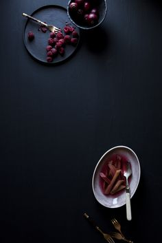 Dark, minimalistic food photography | Epicure Aperture