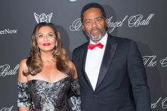 CONGRATS TO TINA KNOWLES WHO MARRIED ACTOR RICHARD LAWSON! ROCKS!