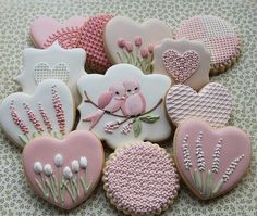 Find best ideas / inspiration for Valentine's day cookies. Get the best Heart shaped Sugar cookies for Valentine's day & royal icing decorating ideas here. Bird Cookies, Fancy Cookies, Flower Cookies, Heart Cookies, Cute Cookies, Easter Cookies, Royal Icing Cookies, Cupcake Cookies, Sugar Cookies