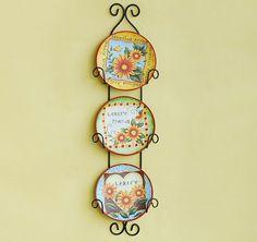 hanging decorative wall plates
