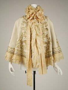 Cape Date: 1890s Culture: French Medium: wool Dimensions: Length at CB: 19 1/2 in. (49.5 cm) Length at CF: 19 in. (48.3 cm)