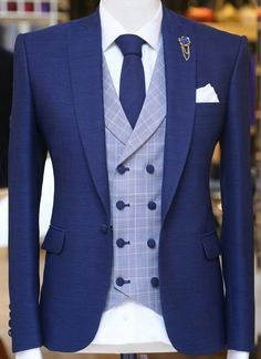 Check out our premium wedding suits at aysoti com ideas for wedding suits men grey groom style mens fashion fashion wedding Dress Suits For Men, Men Dress, Formal Suits For Men, Mode Costume, Designer Suits For Men, Herren Outfit, Tuxedo For Men, African Men Fashion, Mens Fashion Suits