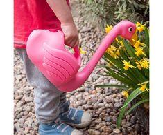 Pink flamingo regadera